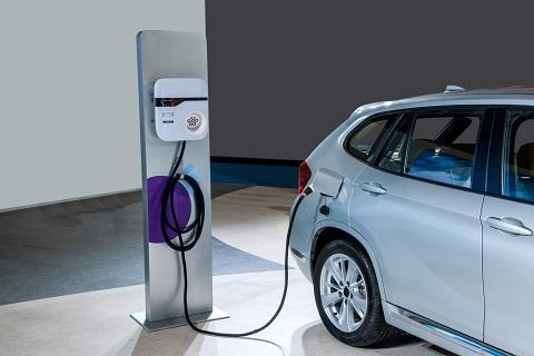 新疆首套电动汽车计量体系建成 可满足1000台电动汽车直流充电桩的高清图片